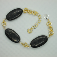 gold vein magnesite and chainmaille bracelet