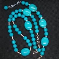 Turquoise necklace and bracelet set