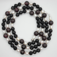 Garnet, pearl and black agate vintage necklace