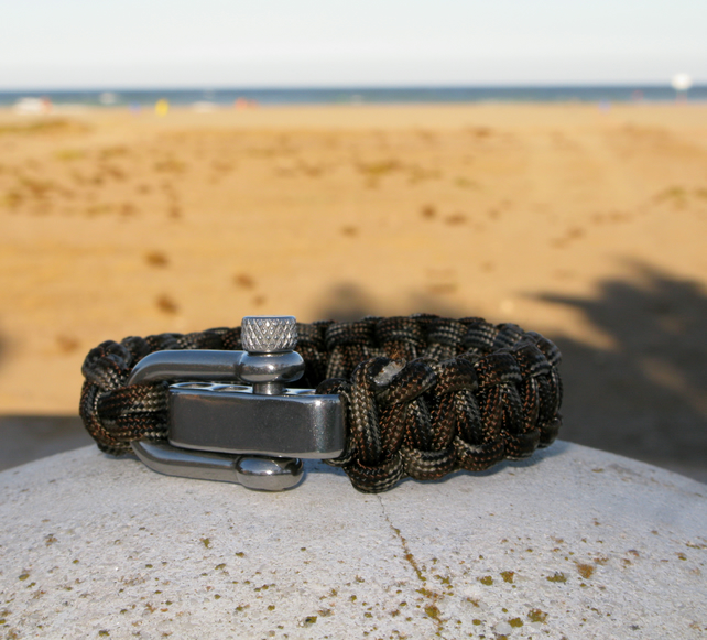 Paracord Survival Bracelet, Mens, wristband, camouflage, camping, outdoor