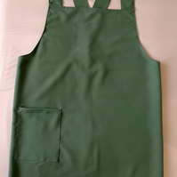 Cross Back Apron for the larger lady.