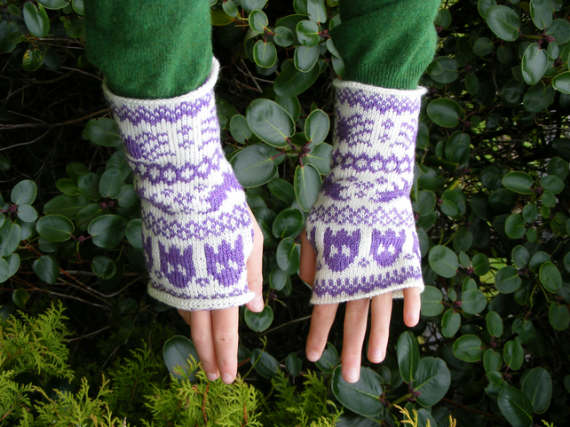 Halloween Fairisle Wristwarmers - Midnight Purple