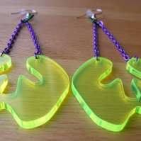Green Dangly Splat earrings – Fluorescent Laser Cut