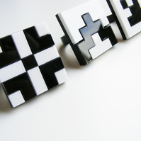"Black and White Grid Ring ""Norwegian Plastic"" laser cut"