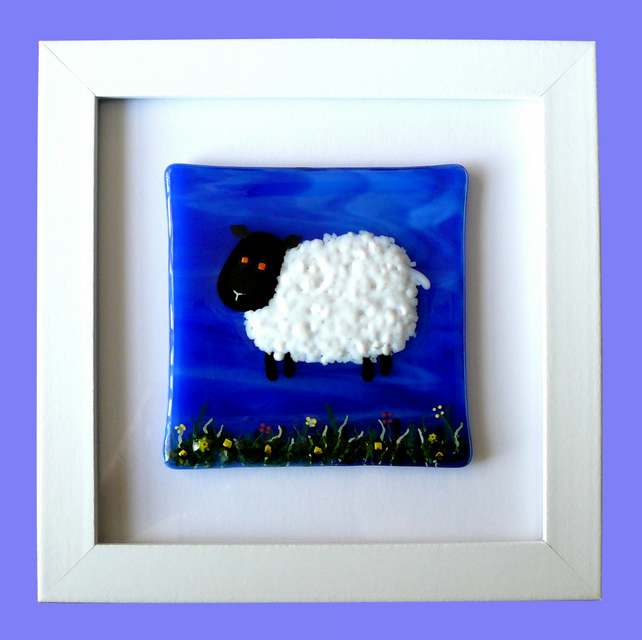 HANDMADE FUSED GLASS 'LTTLE LAMB' PICTURE.