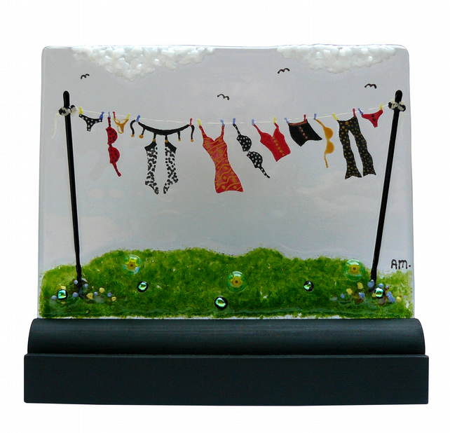 UNIQUE: Handmade Fused Glass 'NAUGHTY WASHING LINE' Picture.