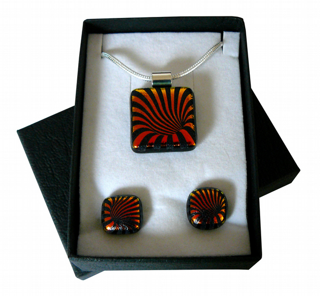 Handmade Dichroic Glass 'FLOWER' Pendant & Earrings.