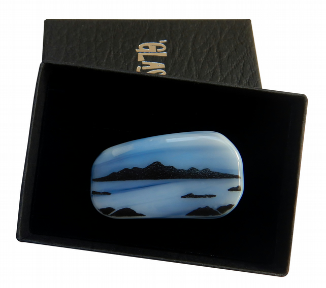 HANDMADE FUSED DICHROIC GLASS 'ISLE OF ARRAN' BROOCH.