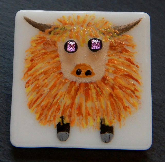 HANDMADE FUSED DICHROIC GLASS 'HIGHLAND COW' BROOCH.