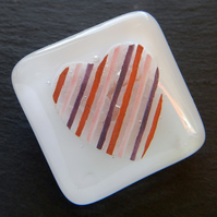 HANDMADE FUSED DICHROIC GLASS 'STRIPED HEART' BROOCH.