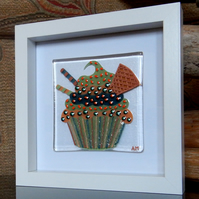 HANDMADE FUSED GLASS  'WAFER CUPCAKE' PICTURE