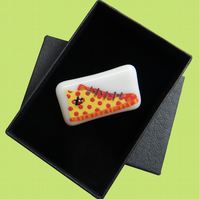 HANDMADE FUSED DICHROIC GLASS 'YELLOW HIGHTOPS' BROOCH.