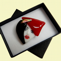 HANDMADE FUSED DICHROIC GLASS 'PORTRAIT OF A LADY PORTRAIT' BROOCH.