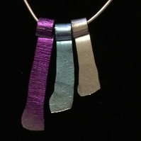 "jcn013 Hammered Aluminium Necklace, blue purple and silver, 18"" chain"
