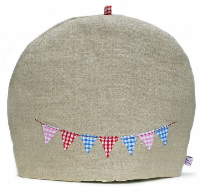Linen teacosy with gingham bunting design