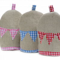 SALE: Linen and gingham bunting egg cosy
