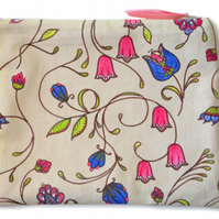 Large pouch in A&C floral design
