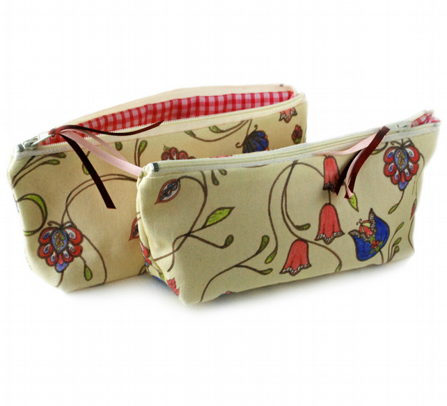 Cosmetic pouch in A&C floral design