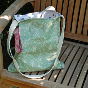 Green leaves tote bag with fabric key fob