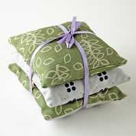 Green leaves gift set of lavender bags