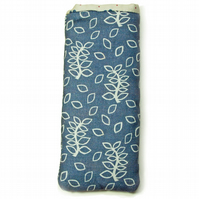 Blue leaves glasses pouch