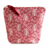 Dusky leaves large cosmetic pouch