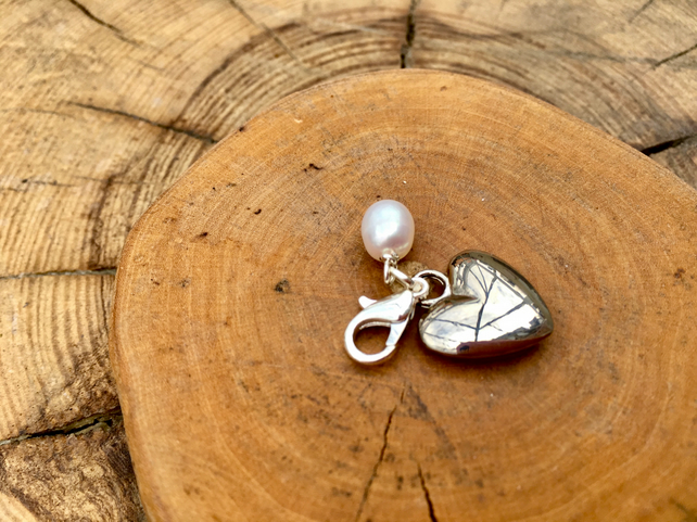 Clip on charm - Heart with Cream Freshwater Pearl drop