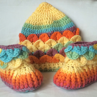 Crochet Baby Pixie Hat And Booties Set Age 0-3 Months