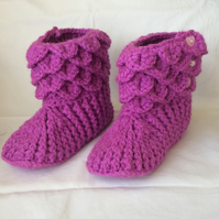 Crochet Girls Slipper Boots UK Child Size 7-9 Plum Colour