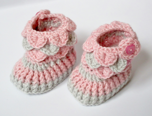 ec4e23859f252 Crochet Baby Booties - Pink & Grey Baby Shoes Size 6-12 Months