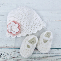 Newborn Baby Hat and Shoes Set - White Baby Hat and Shoes