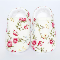Baby shoes, baby girls shoes, white cotton pram shoe with floral print detail.