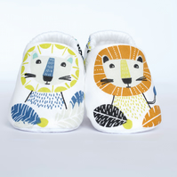 Little Lion, cotton baby shoes, baby gift, gifts for babies. pram shoes