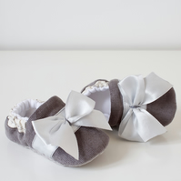 Baby girls shoes, grey corduroy baby shoe with satin trim and bow.