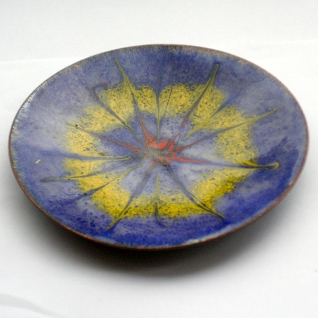 enamel dish - scrolled red and yellow starburst over blue