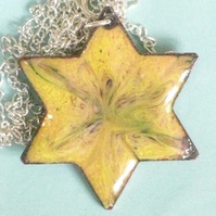 pendant - 6 pointed star scrolled blue on yellow over clear enamel