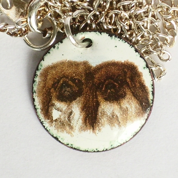 pendant - two pekinese