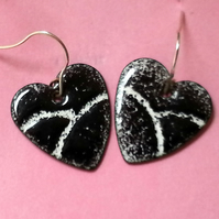 earrings - hearts: black enamel over white