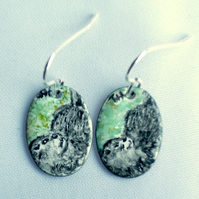 earrings: painted enamel - otter