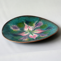 dish - scrolled white, pink. purple,gold, blue, on turquoise over clear enamel