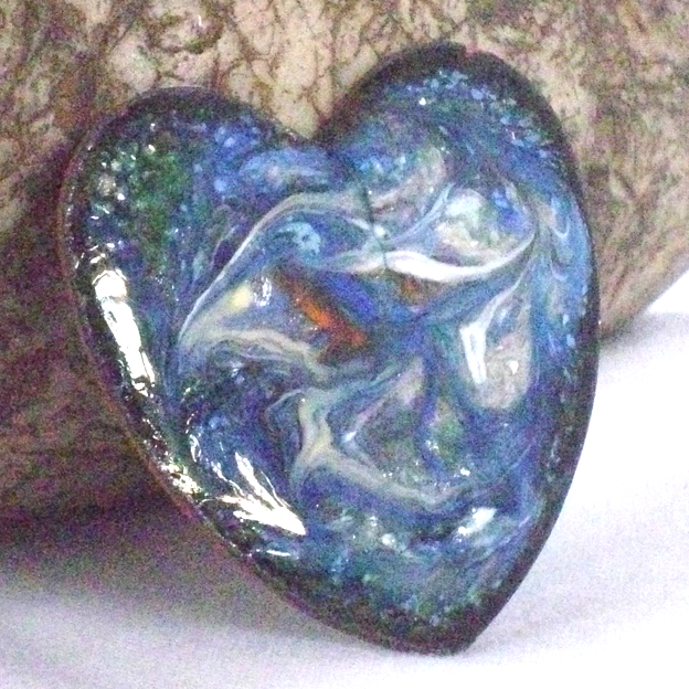 heart brooch scrolled pale grey, white and red on blue