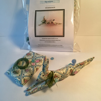 Leaping hare DIY craft kit