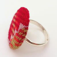 Tweed ring