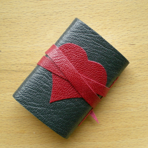 Valentine Journal - Miniature in Graphite & Ruby Leather