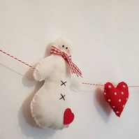 Felt snowman and heart garland