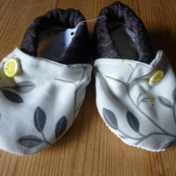 Dorset Button Trimmed Toddler Slippers, age 12 - 18 m, Brown Floral S12