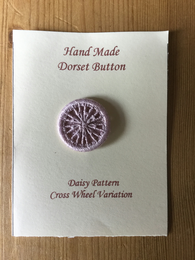 Hand Made Dorset Crosswheel Button, Daisy Pattern, Light Mauve, 25 mm