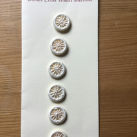 Set of 6, 15 mm, Traditional  Dorset Cross Wheel Buttons, Cream D8