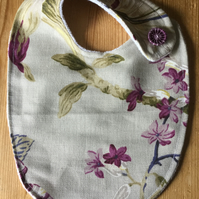 Dorset Button Trimmed Bib, Mauve and Taupe Floral  B5