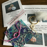 Kit to Make a Dorset Singleton Button in Liberty Print 'Bourton'